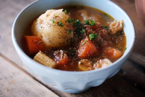 野菜スープ スープ ポタージュ シチュー 野菜 じゃがいも ジャガイモ にんじん ニンジン クミン パセリ ヤングコーン 温かい食べ物