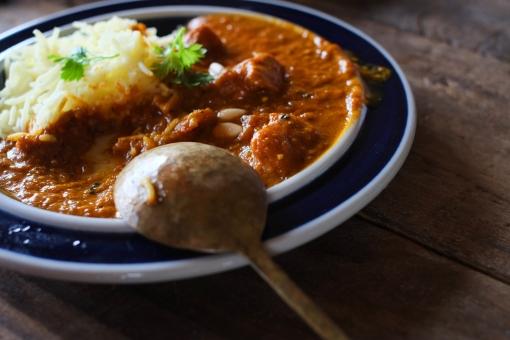 インドカレー作り インドカレー スパイス ルゥ スパイシー とり肉 カレー とり肉のカレー カリー curry indiancurry おたま フライパン 調理 料理 カレー作り クッキング かれー カレーライス インディカ米 インド米 米 ライスカレー スプーン