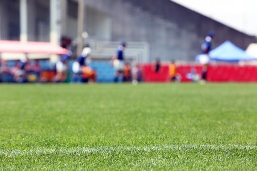 ラグビー 芝生 グラウンド 白線 石灰 ラガー スポーツ 対戦 緑 青々 青々とした ターフ 試合 練習 夏 走る 競技場 ラグビー場