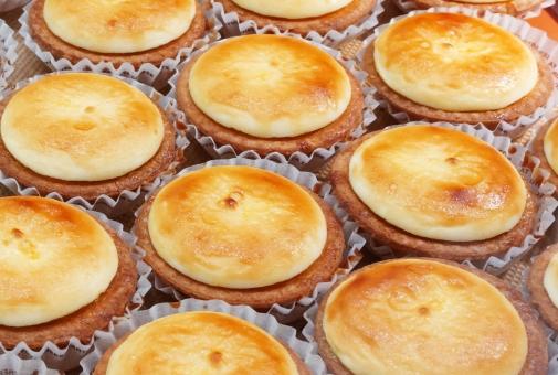 チーズタルト チーズケーキ チーズ ケーキ 洋菓子 お菓子 焼き菓子 おやつ スイーツ 北海道産チーズ サクサク なめらか ケーキ屋さん 甘党 手作り デザート ティータイム 食後 別腹 パティシエ 甘味