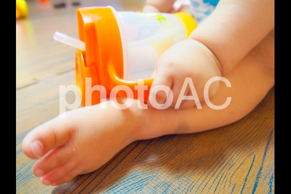 赤ちゃんの手足の写真