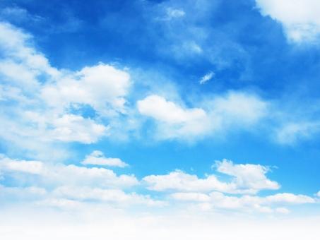 空 そら くも 雲 ふんわり あおぞら バックグランド 上空 青空 blue sky 背景 テクスチャ 水色 快晴 お天気 グラデーション 太陽光 日光 uvカット 紫外線 空気 お出かけ日和 おだやか 白い雲 平和 暖かい 天日干し 布団を干す 見上げる 降水確率 清々しい 晴れ渡る おでかけびより ポカポカ陽気 ぽかぽか陽気 初夏 小春日和 屋外 野外 昼下がり 上空 洗濯日和 行楽日和 日差し 五月晴れ