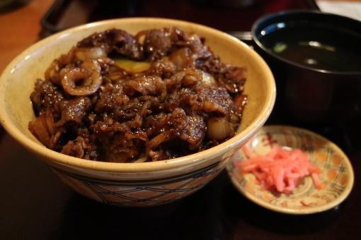 牛丼 美味しい 極上 うまい つゆだく 料理 丼 どんぶり 昼食 ランチ