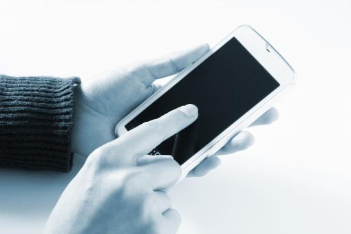 スマホ スマホ操作 タッチパネル スマートフォン スマフォ 携帯電話 アプリ ゲーム ショッピング 買い物 データ送信 メール オンライントレード オンラインゲーム ツール 検索 動画 写真 カメラ SNS ソーシャル メディア ニュース 番組 ツイッター ブログ LINE インスタグラム 素材 instagram