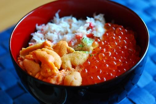 海鮮丼 どんぶり 丼 ウニ イクラ カニ いくら 蟹 海産物 海の幸 食べ物 料理