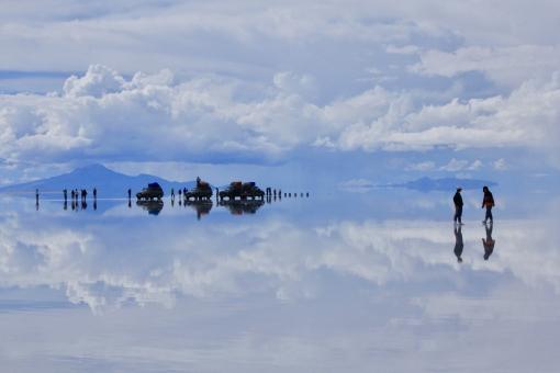 ウユニ塩湖(ボリビア)の写真