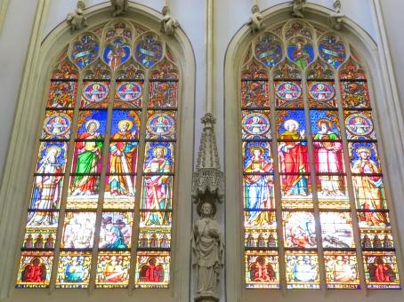 聖堂 大聖堂 光 アート 芸術 絵画 キリスト教 カラフル キレイ きれい 採光 窓 ゴシック インテリア