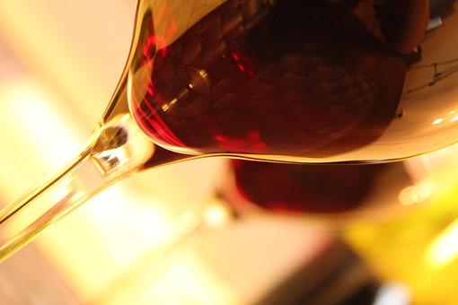 赤ワイングラスの写真