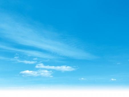 空 雲 晴れ 青空 屋外 バック 素材 青 無人 積雲 白 広角 爽快 積乱雲 背景 バックグラウンド 爽やか 水色 青 寒色 エコ 環境 ブルー テクスチャ 風 気流 バックグランド バックイメージ 背景素材  バックイメージ 背景デザイン 壁紙 透明感 潤い グラデーション グラフィック 柔らかい 自然 ナチュラル 風 そよ風 真夏 初夏 春 スカイブルー 天空 太陽 日光 日中 合成 天気 大空 光 快晴 景色 風景 夏