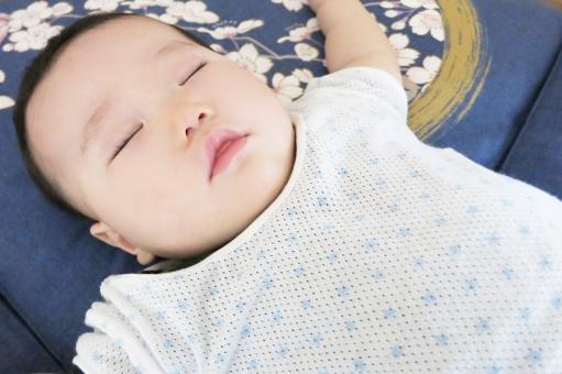 赤ちゃん あかちゃん ベビー ベイビー 赤ん坊 赤子 baby 乳幼児 乳児 幼児 子供 こども 子ども 9カ月 9ヵ月 9ヶ月 9か月 睡眠 眠る 寝る ねる 昼寝 お昼寝 熟睡 寝顔 すやすや スヤスヤ グーグー いびき 夢 座布団 雑魚寝 バンザイ ばんざい 睡眠時間 不眠 不眠症 眠れない ぐっすり おやすみ おやすみなさい 子育て 育児 癒し かわいい 爆睡 疲れた 寝ない 夜泣き