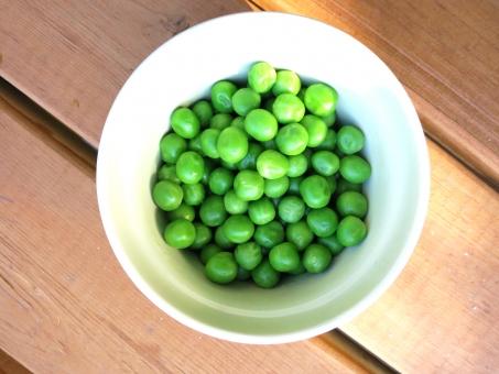 豆 青 緑 付け合わせ サイド ディッシュ 朝食 サラダ 野菜 アウトドア キッチン クッキング 料理 茹 ボイル グリーンピース