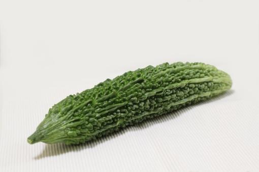 ゴーヤー ゴーヤ にがうり 苦瓜 夏野菜 野菜 レイシ 夏バテ 緑 沖縄 おきなわ ビタミンc つる性植物 苦い