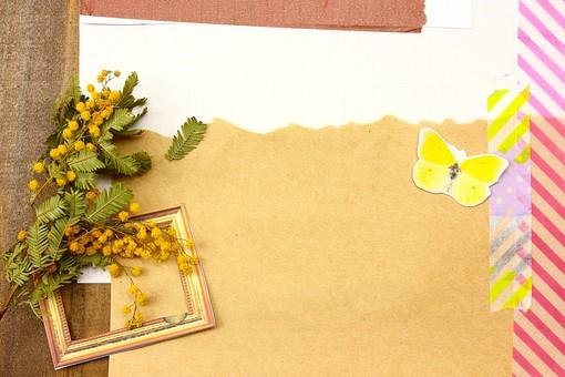 マスキングテープ 紙 メモ クラフト フレーム 余白 カラフル ポップ 額 額縁 バックグラウンド 背景 背景素材 枠 雑貨 手紙 レター ステーショナリー 道具 ライフスタイル コラージュ デコ カード スクラップブッキング デザイン アート 楽しい 明るい 破る ちぎる 蝶々 バタフライ 植物 花 ミモザ クラフト紙 茶色 黄色 ドット ストライプ テキストスペース コピースペース