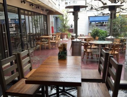 カフェ 飲食店 レストラン 店 美味しい お茶 テラス テラス席 オープンテラス オープンカフェ おしゃれ オシャレ デート 中庭 自由が丘