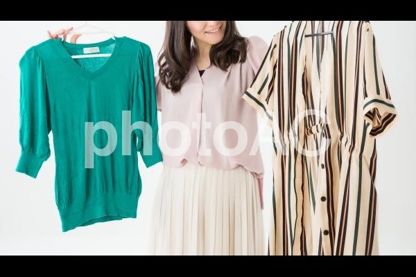 洋服選びの写真