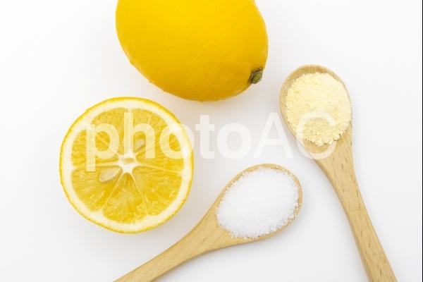 レモン クエン酸とビタミンCのサプリメントの写真