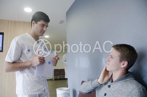 医師と患者8の写真