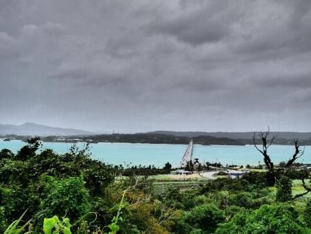 「台風 フリー画像  沖縄 」の画像検索結果