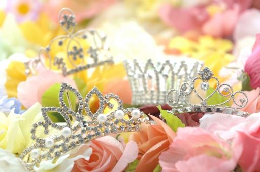 ティアラ 王冠 結婚 花嫁 アクセサリー ブライダル ウエディング 新婦 装飾 髪飾り 花 カラフル