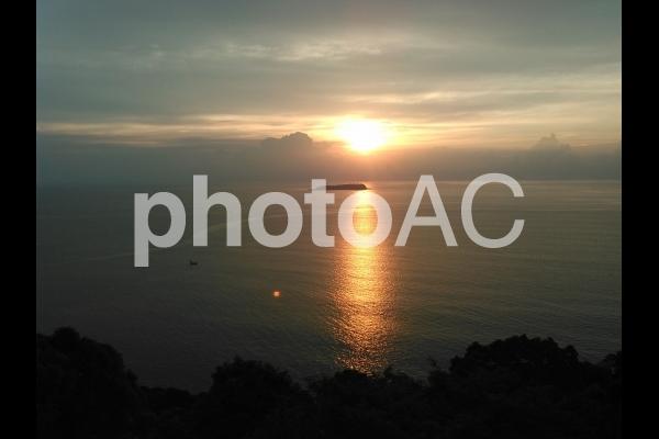 初島の朝日の写真