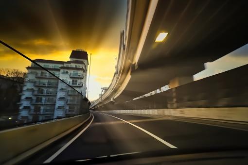 朝 都市 交通 道路 東京 スピード 高速道路 太陽 朝日 日の出 東京都 都市風景 高速 朝焼け 首都高 首都高速