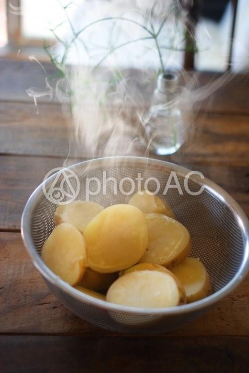 蒸したジャガイモの写真
