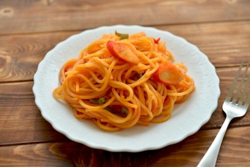 スパゲティ お昼ご飯 昼食 おいしそう もちもち カフェ ランチ ディナー 晩御飯 パスタ ナポリタン ケチャップ サラダ コーンスープ コーンポタージュ スープ バジル