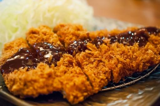 トンカツ とんかつ サクサク 茶色 和食 和 キャベツ 油 ダイエット コレステロール カロリー 肉 豚肉 豚 定食 ソース おいしい