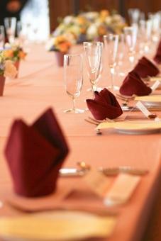 ウェディング ウェルカム 披露宴 テーブルクロス グラス 料理 結婚式 家族 女性 神前式 人前式