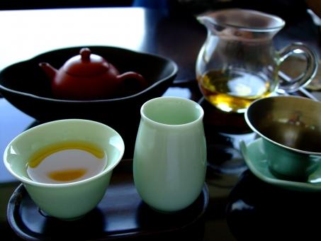 中国茶 中国茶器 東方美人茶 茶芸 茶葉 中国茶具 専用 茶壺 急須 茶海 公道杯 ガラス ピッチャー 聞香杯 茶杯 対杯 陶磁器 茶托 お盆 茶船 茶池 茶漉し おいしい うまい まったり のんびり ゆったり お茶屋 カフェ 素材
