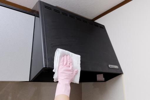換気扇 レンジフード 掃除 キッチン 台所 ホームクリーニング ハウスクリーニング 雑巾 布巾 拭掃除 拭く 家庭 手 ゴム手袋 ボディーパーツ 拭き掃除 油汚れ
