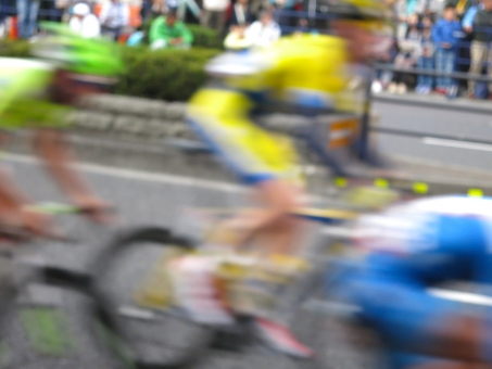 自転車 競技 クリテリウム ロードレース 宇都宮 14 バイク ヘルメット ウェア 大通り 栃木 14