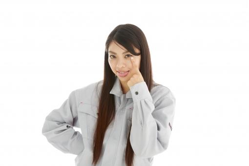 人物 日本人 女性 女の子 20代  モデル かわいい 美人 ロングヘア 作業服  作業着 スタジオ撮影 白バック 白背景 仕事  技術職 ガテン系 作業員 アッカンベー あっかんべえ あっかんべー 人差し指 目 舌を出す バカにする 侮辱 仕草 表情  mdjf019