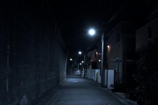 「夜 住宅街」の画像検索結果