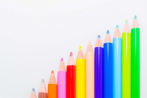 色えんぴつ 筆記用具 クリーン 階段 カラフル カラー かわいい 鉛筆 ペイント 絵画 絵 ペンシル ピクチャー 美術 レインボー 虹 デザイン 余白 ツール 道具 グラデーション お絵かき