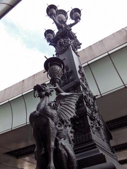 日本橋 橋 麒麟 0点 シンボル ランプ 日本 都内 高速道路 原点 きりん 屋外 外 たもと 東京 観光 有名 動物 中心 銅像 ブロンズ 道 道路