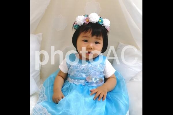 ドレスの赤ちゃんの写真