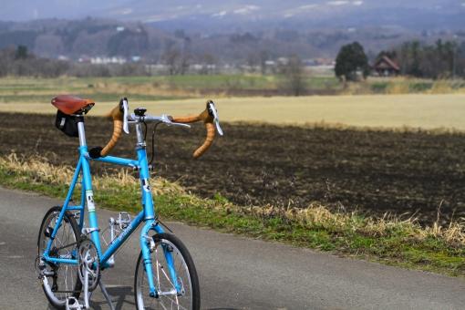 高原 自転車 ポタリング サイクリング カメラ 撮影 草原 蒜山高原 岡山 真庭市 ブルーノ ミニベロ