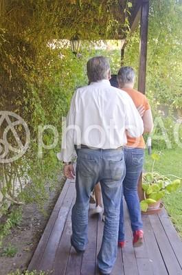 若夫婦と老夫婦4の写真