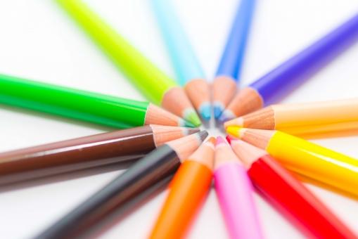 カラフル レインボー 色鉛筆 色えんぴつ さわやか ペンシル 色鉛筆 春 筆記用具 塗る ペイント カラー サークル きれい 学校 アート イラスト 絵 ピクチャー 虹