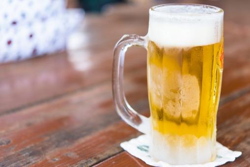 ビール アルコール 沖縄 木目 ウッドデッキ 屋外 冷える ビーチ バーベキュー 泡 飲み会 パーティー ビアガーデン 女子会 合コン コースター 酒