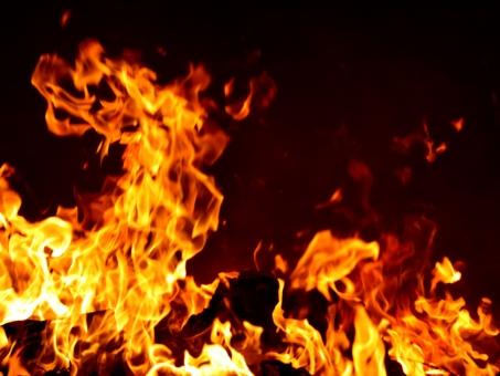 炎 0692 高解像度の写真