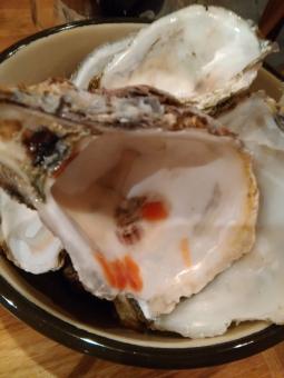 牡蠣 オイスター 焼牡蠣 セレブ 金持ち リタイア リタイヤ リッチ セミリタイア セミリタイヤ 和食 イタリアン フレンチ 海鮮 魚介 おいしい oyster 殻 貝殻