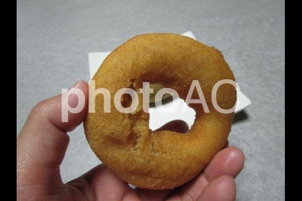 ドーナツを食べるの写真