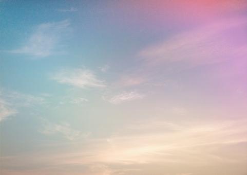 空 sky rainbow 雲 青空 虹色 背景 夢 うっとり 綺麗 不思議 スピリチュアル テクスチャ 壁紙 そら 虹空 七色 レインボー 金 ピンク ブルー 青 ゴールド ファンタジー ロマンチック ドリーミー ハガキ 風 余白 ポスター