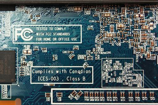 基盤 半導体 電子回路 回路 テクノロジー ボード 電気 IT チップ エレクトロニクス 電子機器 精密機器 マイクロチップ IC CPU 集積回路 プリント基板 トランジスタ 先端技術 コンデンサー 最先端 マイクロコンピューター 制御装置 アイテム パソコン コンピューター マザーボード ビジネス 修理 製造 技術 工業 製品 産業 ケーブル 緑 黒 一面 俯瞰 端子 クローズアップ 青