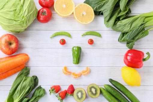 笑顔の野菜の写真