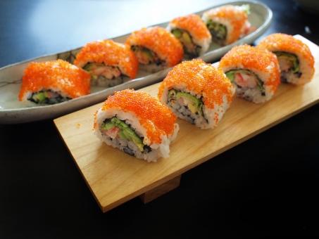 巻き寿司 巻きすし まきす す 寿司 まきずし スシ 酢飯 のり ノリ 海苔 sushi japanesefood アボカド レタス カニカマ かにかま エビ 飛子 とびこ トビコ カルフォルニアロール sushiroll californiaroll ゲタ