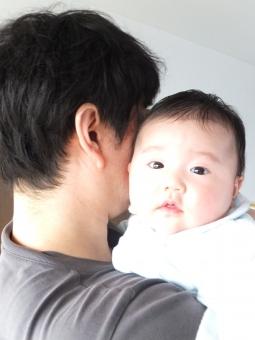 抱っこ だっこ 赤ちゃん あかちゃん ベビー 幼児 乳幼児 乳児 こども 子ども 子供 パパ お父さん 父親 スキンシップ 抱きしめる 安心 喜ぶ 子育て 育児 甘える 男の子 男性 おとうさん イクメン 育メン かわいい カワイイ あやす ベイビー ko