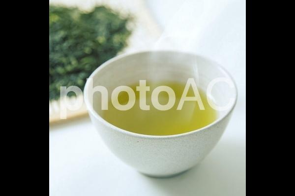 熱々の日本茶の写真